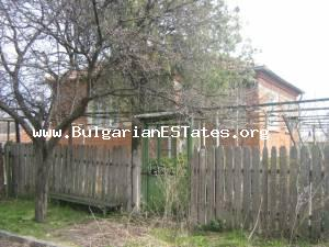 Little cozy house for sale located at the small adorable village of Asparuhovo.