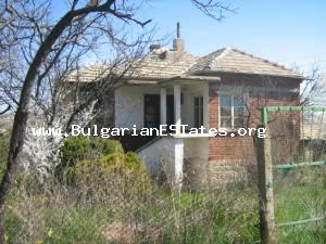 House for sale locatet very close to the Bulgarian Black sea coast at the villige of Vratitsa.