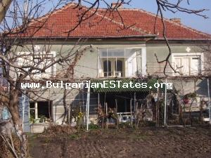 Wonderful rural house for sale located at the developed hamlet of Mudrets.