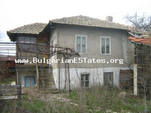 Rural house for sale located at the beautiful calm village of Asparuhovo only 27km. from the town of Bourgas and the Black sea coast.
