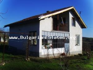Great offer – massive rural house for sale with wonderful panorama.