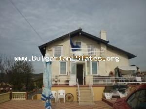A three-storey house in Izvorishte.