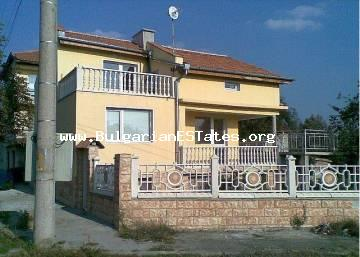 For sale is three-storey house in the center of Kableshkovo