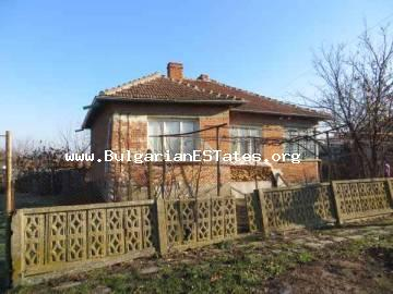 For sale is one-storey house located at the adorable Bulgarian village of Dulevo, only 25 km from the town of Bourgas, Bulgaria.