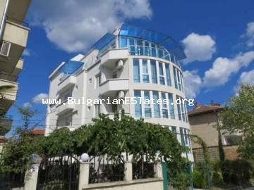 Bulgarian estates LTD offers a family hotel for sale at the seaside resort of Primorsko, Bulgaria.