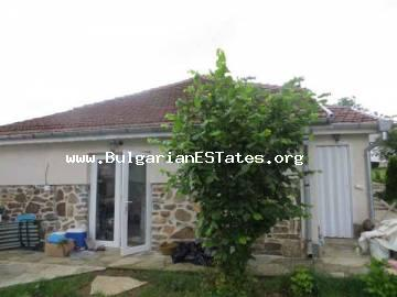 House for sale in Bulgaria.We offer for sale a house with a plot in the village of Pismenovo, just 8 km away from the beautiful beach in Primorsko