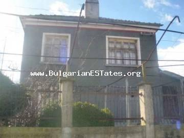 Bulgarian real estate for sale – two-storey house located 25 km from the sea and 32 km from the city of Bourgas, in the village of Zidarovo, Bulgaria