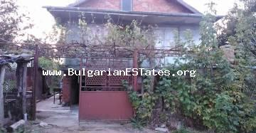 Cheap rural house is for sale in the village of Momina Tsarkva, only 60 km from the seaside city of Bourgas.