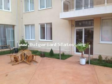 Cheap two-bedroom apartment is for sale in the complex of Balkan Briz 1, Sunny beach, Bulgaria.