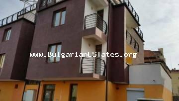 We offer for sale a cheap apartment in Ravda.