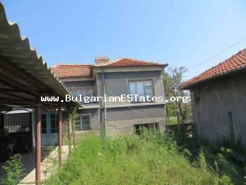 House in the town of Kableshkovo, 7 km from the sea and 15 km from the city of Bourgas is for sale