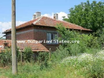 House for sale in the village of Trastikovo, just 15 km from the town of Bourgas and the sea.