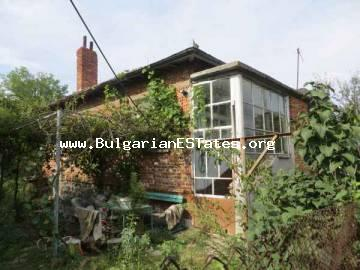 Inexpensive one-storey house in the village of Dyulevo is for sale, only 27 km away from Bourgas.