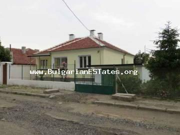 House for sale in Roudnik village, just 9 km from the sea and 11 km from the city of Bourgas.