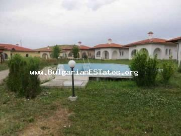 House for sale in a closed complex near Bourgas (10 km), the village Cherno more.
