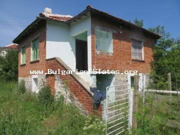 One-storey house in the village Knyazhevo is for sale, 100 km from the sea and the city of Burgas.