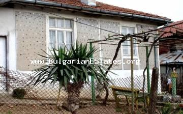The top offer. Cheap house for sale in the village of Kosti, 25 km from the beach of Tsarevo -15 € 999.