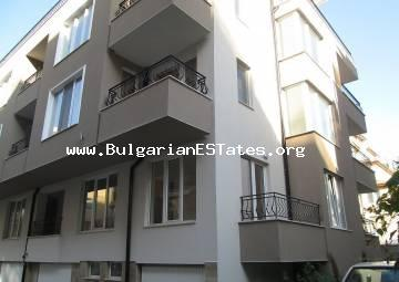 Small one bedroom apartment is for sale in Pomorie, only 200 meters from the beach and balneology spa centre.