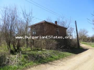 For sale is offered an affordable old two-storey house in the village Draka just 40 km from the city of Burgas and the sea.