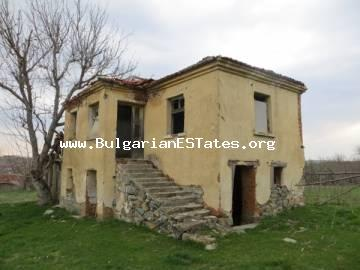 For sale is offered an affordable old two-storey house in the village Momina Тsarkva just 55 km from the city of Burgas and the sea.