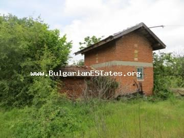 An affordable house is for sale in the village of Svetlina only 36 km from the city of Bourgas and the sea.