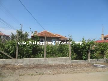 For sale is a house at affordable price in the village of Marinka, only 3 km from the sea and 8 km from the city of Bourgas.