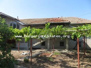 We offer for sale a two-storey house at an affordable price in the village of Marinka, only 3 km from the sea and 8 km from the city of Bourgas.
