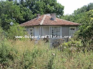 For sale is an old house with a large yard in the village of Yasna Polyana, only 12 km from the town of Primorsko and the sea.