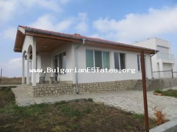 We are selling a new one-storey house a kilometer and a half from the town of Kableshkovo, with magnificent sea view.