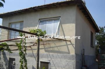 A two-storey house is offered for sale with a huge yard and running mineral water in the village of Asparukhovo, only 27 km from the city of Bourgas and the sea.