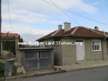 We offer for sale a renovated semi-detached house in the town of Sredets, only 25 km from the city of Bourgas and the sea.