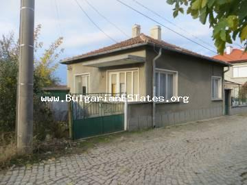 A nice house is offered for sale in the town of Sredets, only 25 km from the town of Bourgas and the sea.
