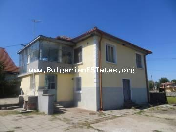 Affordable house for sale in the village of Izvor, 13 km from the sea and the city of Bourgas.
