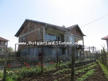 A new large house is for sale in the village of Rossen 6 km from the sea and 10 km from the city of Bourgas.