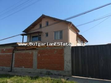 A large house is for sale in the village of Cherni Vrah only a short drive away 5 km from the city of Bourgas and the seashore.