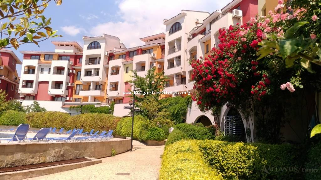 "Affordable one-bedroom apartment on the first sea line in ""Marina Cape"" complex, town of Aheloy!"
