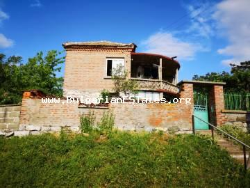 We offer for sale a house in the village of Malomir only 20 km from the town of Yambol and 120 km from the city of Burgas.