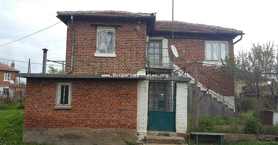 Affordable house is for sale in the village of Voden, 500 meters from the beautiful lake Malko Sharkovo.