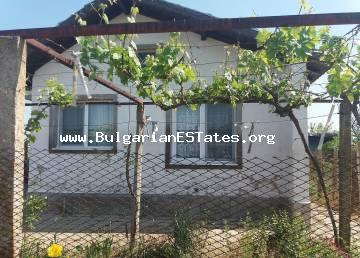 We offer for sale an inexpensive villa in the village of Trastikovo 24 km from the city of Burgas.