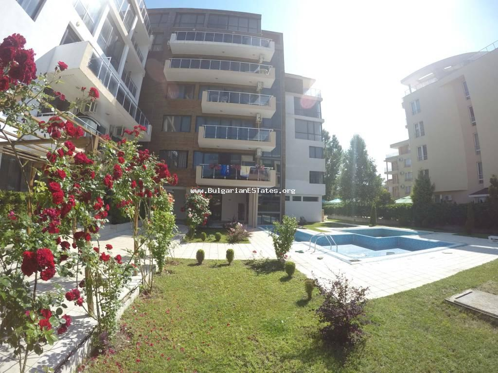 A large furnished studio is for sale affordably in «St. George» complex, Sunny Beach resort.