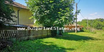 A two-storey house is for sale in Zagortsi village, 40 km away from the city of Burgas and the sea.