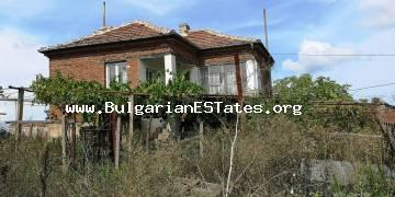 For sale is offered a massive two-storey house in the village of Izvor, 13 km from the sea and Burgas.