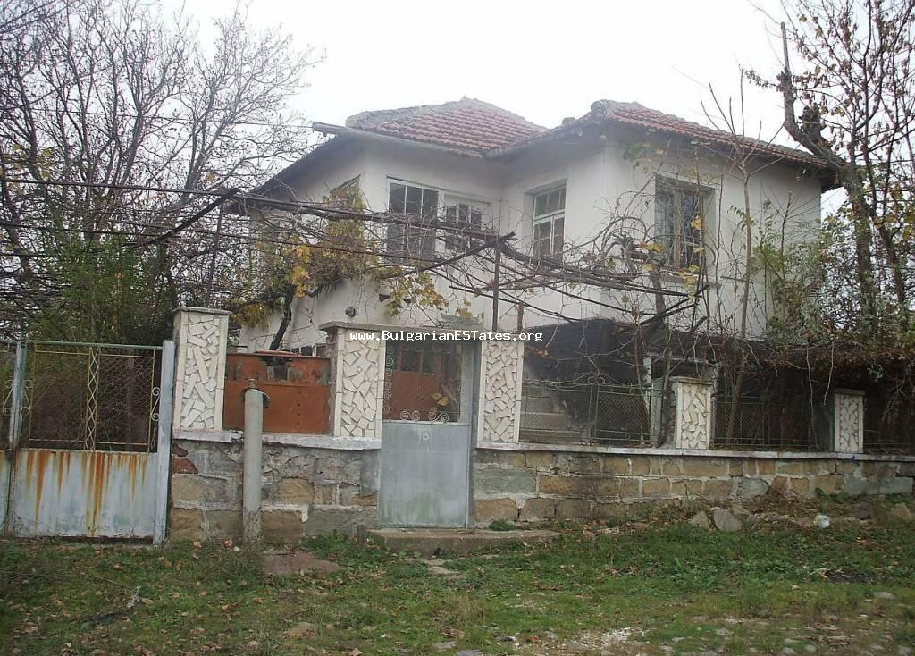 Affordably is for sale a two-level apartment in the village of Zornitsa, 50 km from the city of Burgas.