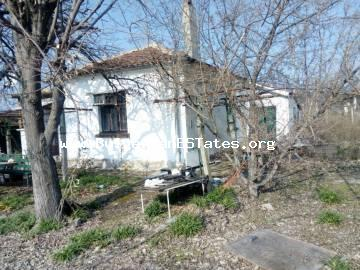 One-storey house is for sale in the town of Bulgarovo, 20 km from Bourgas.