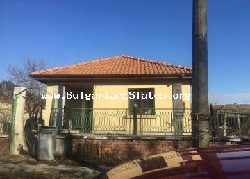 Two houses and a large yard are offered for sale in the village of Trastikovo, 15 km from the city of Burgas and the sea.