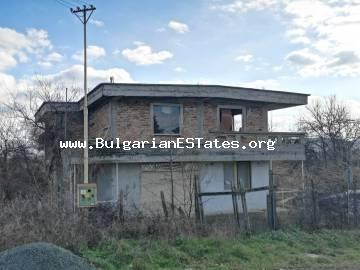 For sale is a massive three-storey house in the village of Krushevets, 25 km from the sea and 35 km from the city of Burgas.