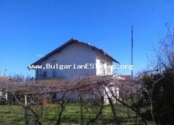 A villa with a large yard is for sale in one of the biggest villages of Yambol region, village of Khanovo, 10 km from the town.