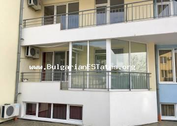 "For sale is a spacious studio in the complex ""Sunset Kosharitsa"", just 5 km from Sunny Beach resort."