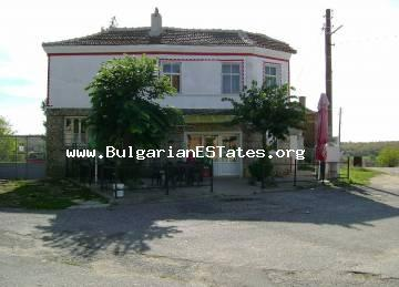 House and business are offered for sale in the village of Melnitsa, only seven kilometers from Turkey.
