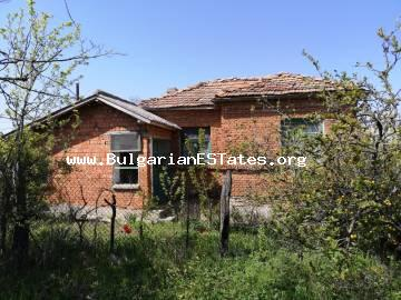 Old house for sale with a large yard in the village of Kozichino, 30 km from the sea and the resort of Sunny Beach and the historic town of Nessebar.